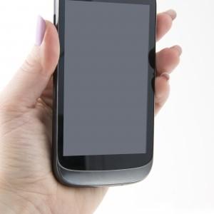 Polacy-posiadaja-ponad-8-milionow-smartfonow