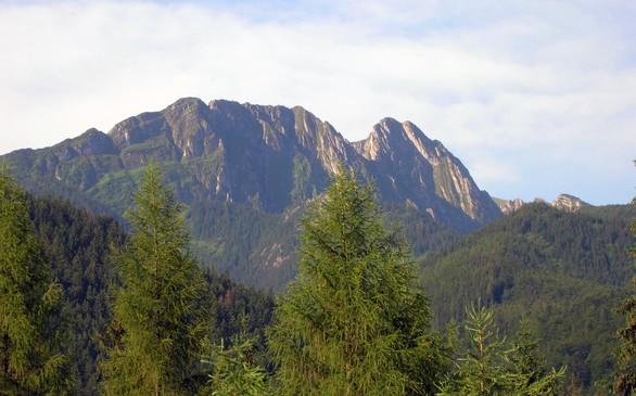 Polacy-pozostaja-wierni-wakacjom-nad-morzem-i-w-gorach