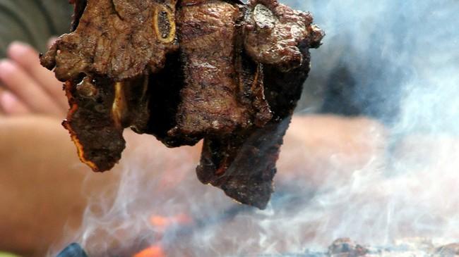 Polacy-coraz-częściej-konsumują-steki-z-grilla