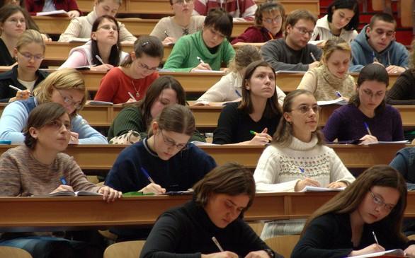 Na-polskich-uczelniach-coraz-wieecej-obcokrajocow